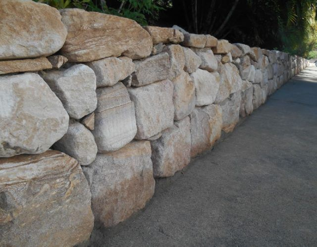 Pin By Jacqui Mcewing On Boulder Wall In 2020 Sandstone Wall Dry Stone Wall Sandstone