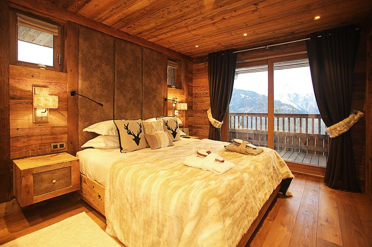 Check out this amazing Luxury Retreats  property in French Alps, with 5 Bedrooms. Browse more photos and read the latest reviews now.