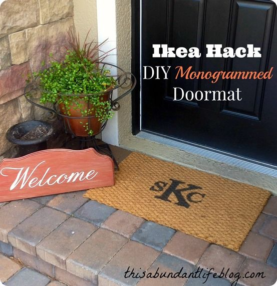 IKEA Hack Monogrammed Doormat (via Bloglovin.com )