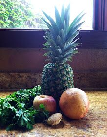 ANTI-INFLAMMATORY PAIN RELIEVING JUICE 1/3 pineapple 1 grapefruit 1 apple 1/2 inch of ginger bunch of parsley