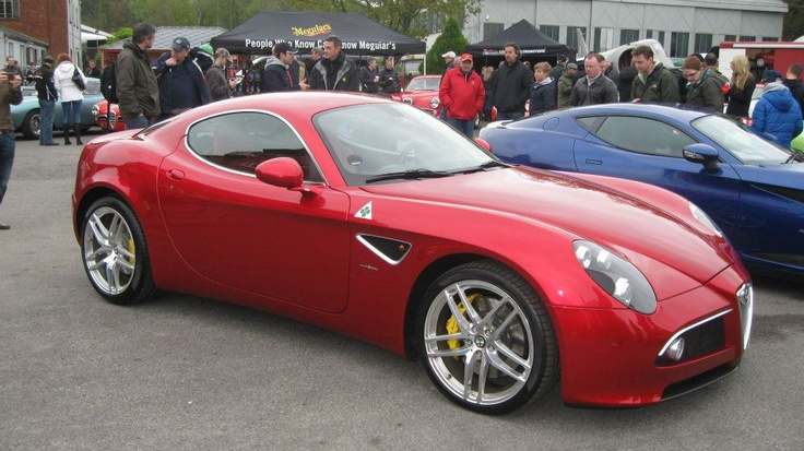 Alfa Romeo 8c side