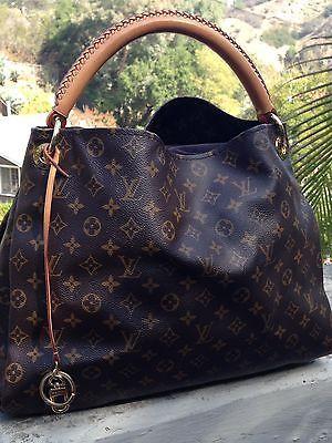 Louis Vuitton Artsy MM Women's Handbag