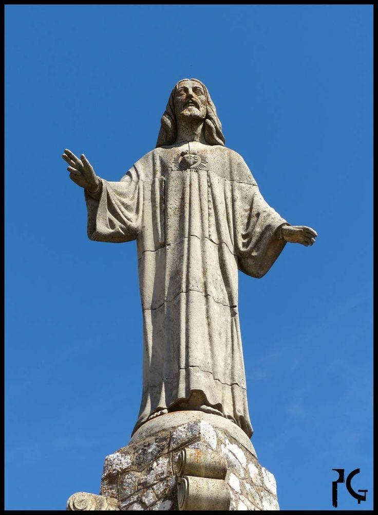 Sagrado Corazon de Jesus en Pastrana - Sagrado Corazón de Jesús en Pastrana, Guadalajara - España by PortalGuada