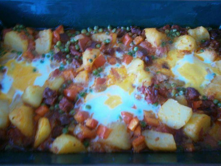 Spaanse Aardappelschotel Met Chorizo En Ei recept   Smulweb.nl