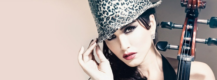 Sunny-Leone-facebook-cover-Wallpapers_02