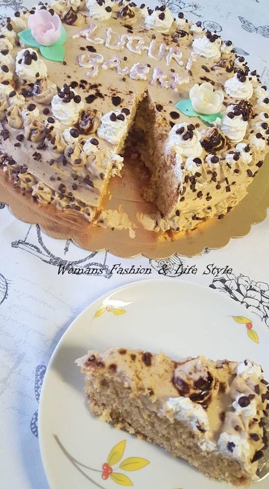 """TORTA MOKA La torta moka è una classica torta al caffè, ingrediente da cui deriva il suo nome """"moka"""". Una torta gustosa e golosa, ideale da servire a fine pasto ed è un dolce perfetto per tutti gli amanti del caffè e non solo perchè è anche ottima da preparare per la festa io e la mia bambina infatti abbiamo preparata per il mio compleanno.Ed è finita in un batti baleno.  http://womansfashion.altervista.org/torta-moka/"""