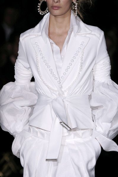 Gianfranco Ferré at Milan Spring 2006 (Details)