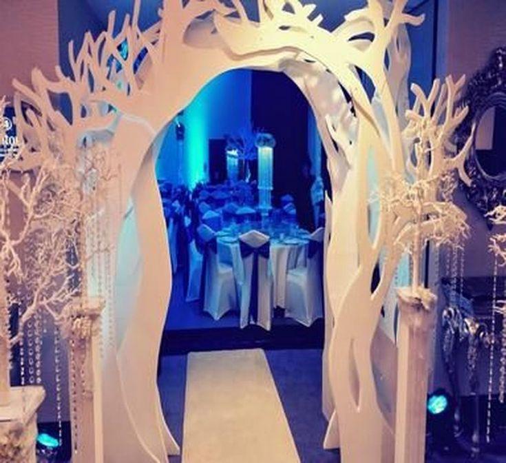 Coole 40 Charming Wonderland Themen Hochzeitsideen für den Winter. Mehr bei Tilependant …   – Wedding Ideas