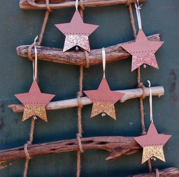 Stern Aus Holz In Altrosa Als Christbaumschmuck Christbaumschmuck Baumschmuck Basteln Mit Kindern Weihnachten