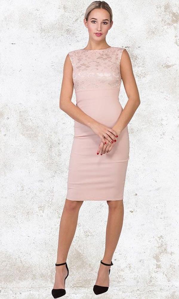 Dit balletschoen #roze #kerst #jurkje is de hit van deze kerst. Een schitterend knie hoog #jurkje met blinde rits. Dit #kerstjurkje kenmerkt zich door de met kant afgewerkte top!