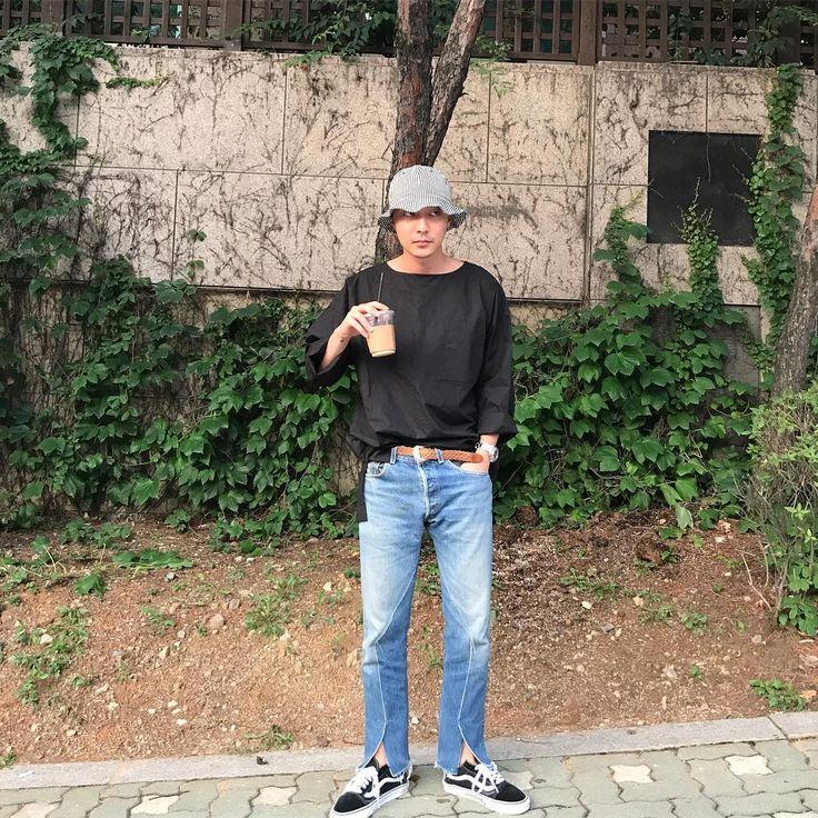 "17.6k Likes, 393 Comments - 로이킴 Roy Kim (@roykimmusic) on Instagram: ""빨리 대구가서 콘서트 하구싶닷"""