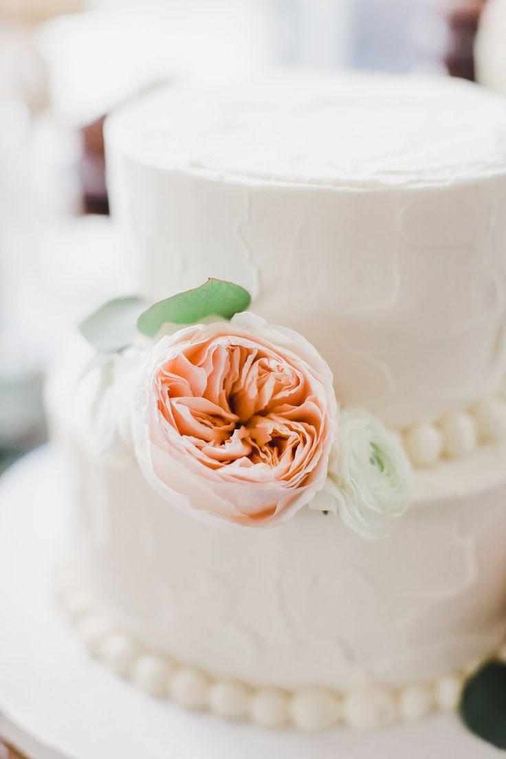 Mike & Stephanie | Blush Peach White Wedding | Country Club Wedding | Richmond Wedding | Indpendence Golf Club | The Proper Petal | Annamarie Akins Photography