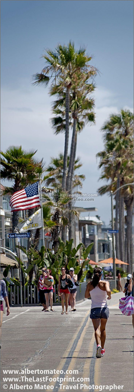 Mission Beach Promenade on Sunday morning, San Diego, California, USA. Photograph by Alberto Mateo, Travel Photographer.