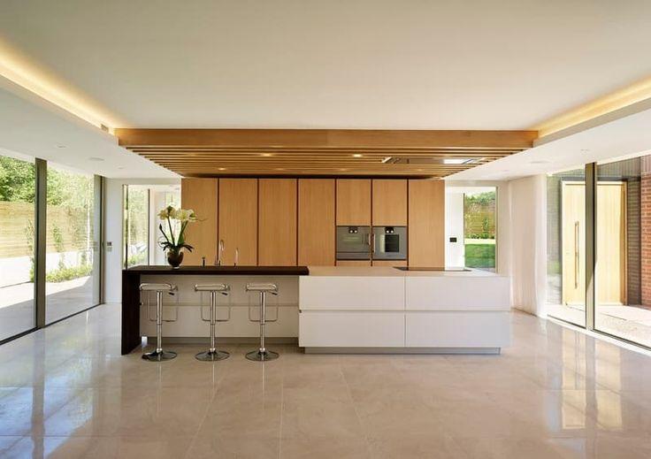 Všade vládne minimalizmus, prírodné odtiene a drevo.
