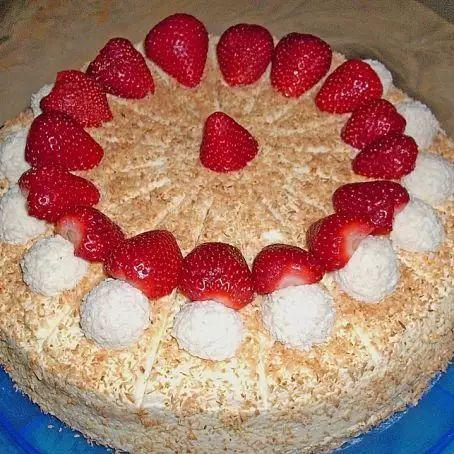 Erdbeer - Raffaello - Torte