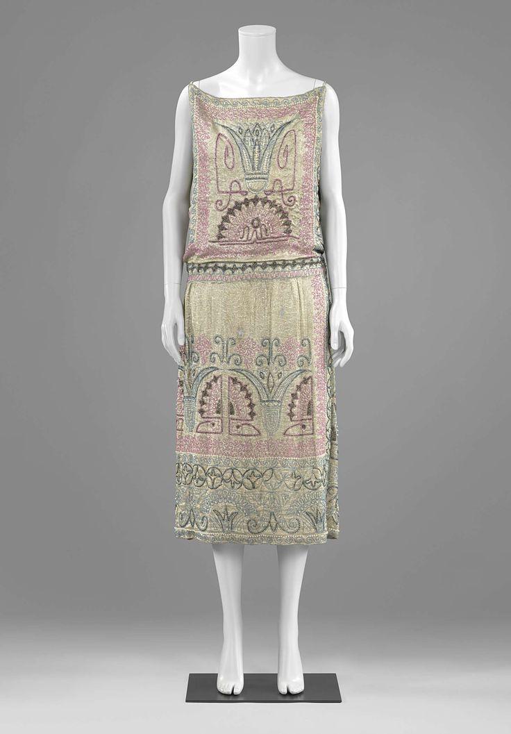 1922-1924, France - Evening dress by Erté - Silver lamé, glass beads, metallic thread