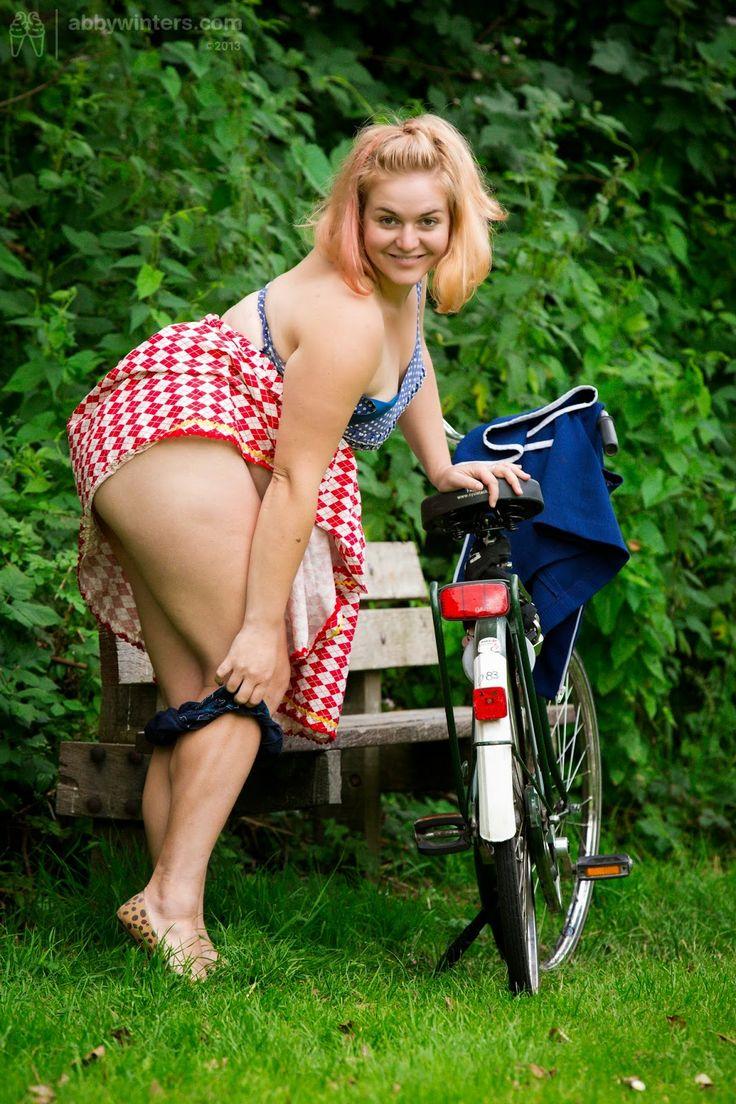 Chubby cheek bicycle seat