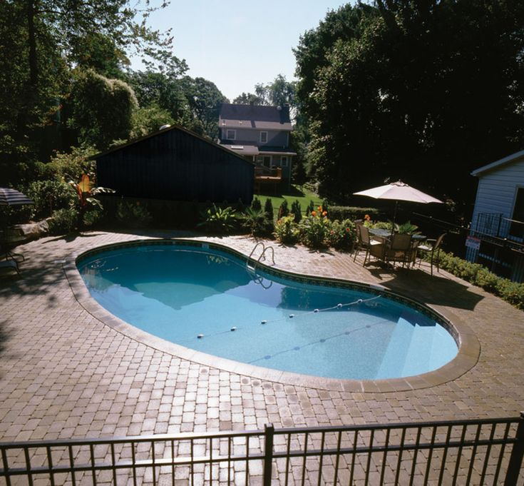 1000 Images About Kidney Shape Tables On Pinterest: 1000+ Ideas About Kidney Shaped Pool On Pinterest