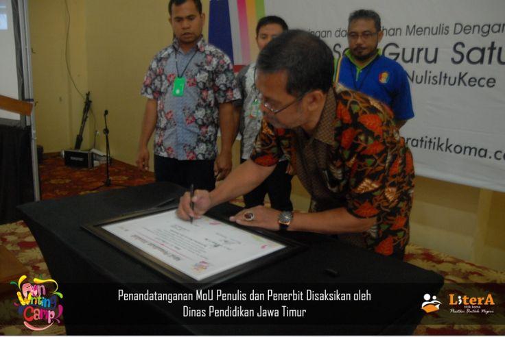 Penandatanganan MoU Penulis dan Penerbit Disaksikan oleh Dinas Pendidikan Jawa Timur.  #NulisItuKece