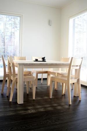 Vaalea ruokailuryhmä. Dining table. #finishdesign © AX-Design Oy, Finland