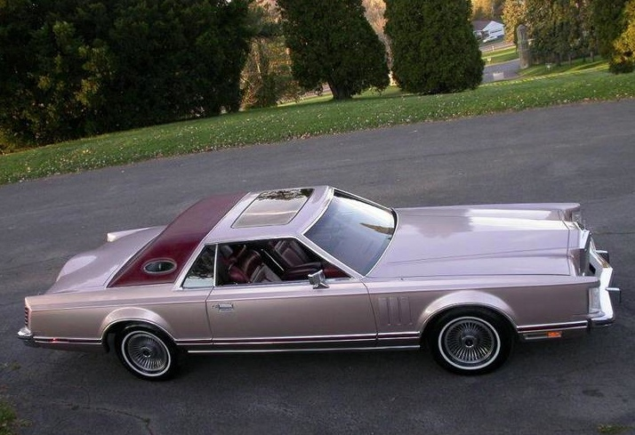 1978 lincoln mark v in custom paint colors not standard from factorynot bad color combination even though im close to an automobile purist