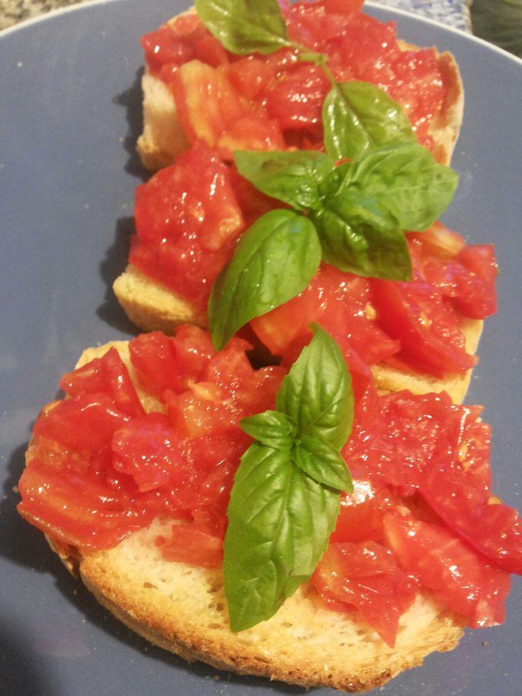 Bruschetta, tomato & basil - italian food