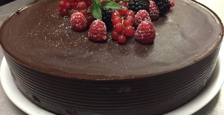 Čokoládová torta bez múky a cukru - Receptik.sk