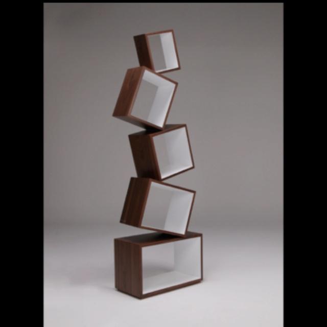 Funky asymmetrical shelving. So cool!Funky Asymmetrical, Asymmetrical Shelves