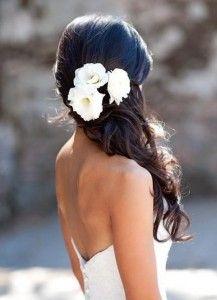 coiffure mariage détachée avec fleur