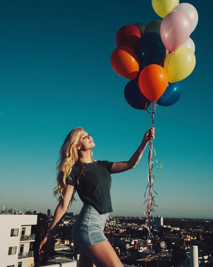 4.9m Followers, 271 Following, 523 Posts - See Instagram photos and videos from Loren Gray (@loren)