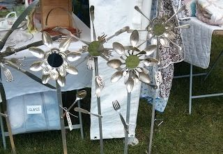 Garden art from old silverwareSilver Wear, Sales Trail, Old Silverware, Garden Art, Michigan Yards, Projects Crafts Ideas, Gardens Art, Bargain Hunting, Hunting Treasure