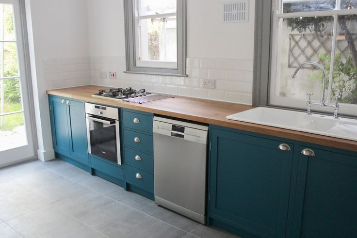 Created from our Scandinavian Birch plywood, with solid Oak drawers and doors, this Shaker influenced kitchen features contemporary touches such as pewter pull handles and a splash of refreshing colour on the cabinetry to contrast against the gorgeous Norfolk Oak solid Oak worktop.