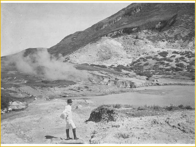 A dutchman being photographed near Sikidang Crater, Dieng, Jawa Tengah.
