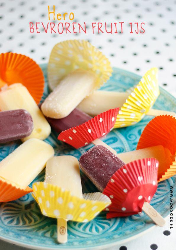 tried&tested hero bevroren fruit op een stokje ijs  TIP: cupcake bakje tegen het lekken! www.moodkids.com