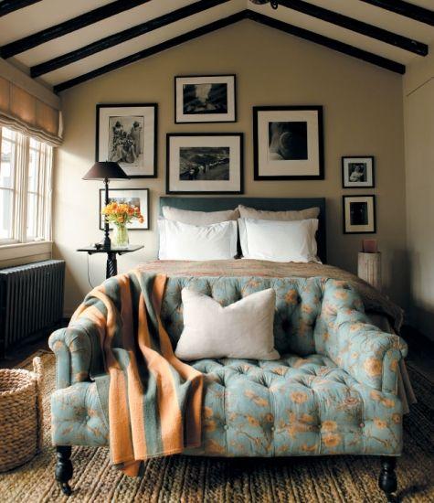 Bedroom w/ cute loveseat