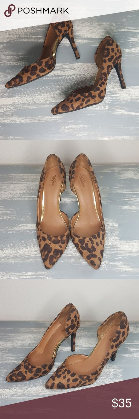 Mossimo Cheetah Print Heels These are in excellent used condition. They have gold accents. And are super comfortable. They feel very cushiony. A very cute statement piece to any outfit whether it's with jeans or business casual. Taking all offers. Mossimo Shoes Heels