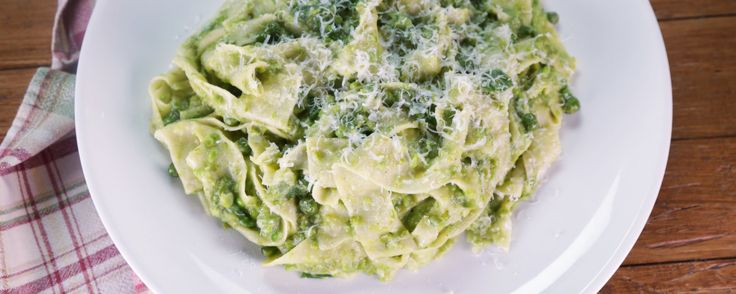 PAPPARDELLE WITH PEAS AND PARM Make this quick and easy Spring pasta for your family tonight.