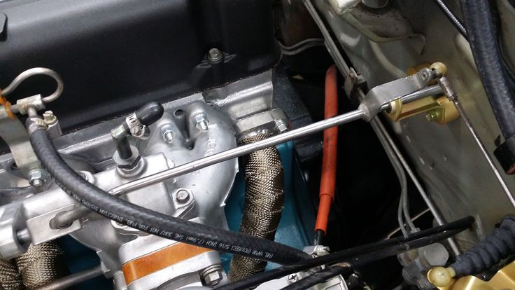 Modified throttle linkage after it has been detailed. | 1973 Datsun 240Z Restoration | Pinterest