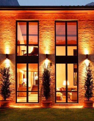 casa com janelas de vidro                                                                                                                                                                                 Mais