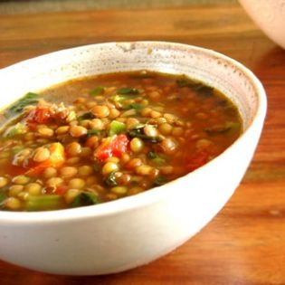 Alkaline Diet Recipe #89: Tunisian Chickpea Soup - This warming and alkalising chickpea soup has got delicious arabic flavours given by spices like cumin and coriander. I really like the smooth texture and oriental flavours in this alkalising chickpea soup, which are complemented by other ingredients like garlic, carrots, onions and celery. Serves 4