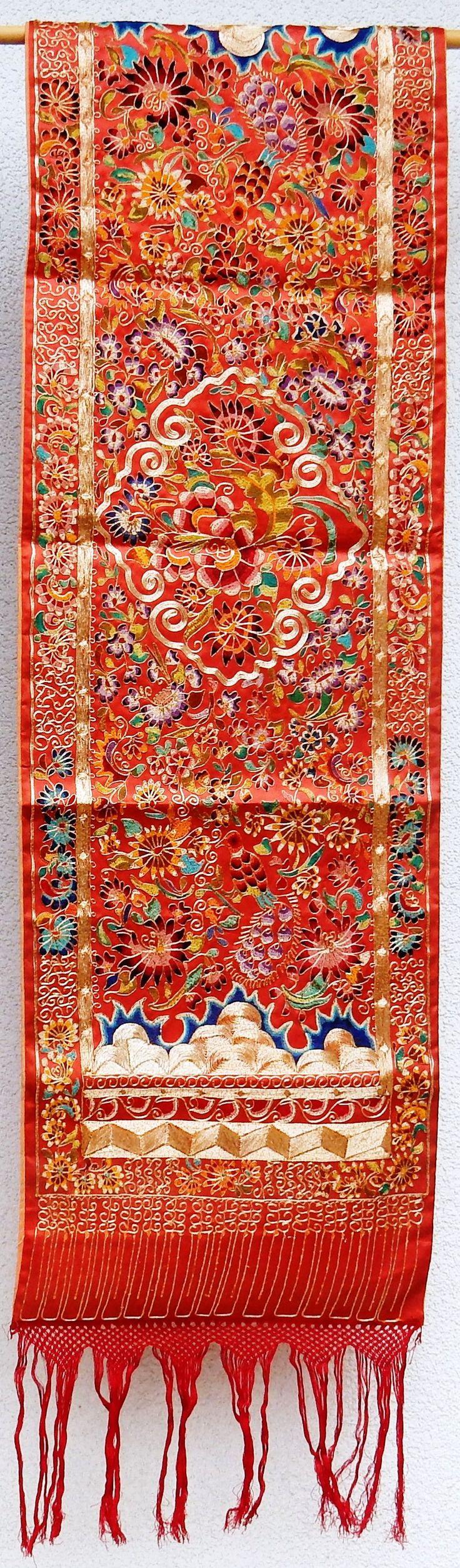 Minangkabau, West Sumatra, embroidery scarf, floral motif