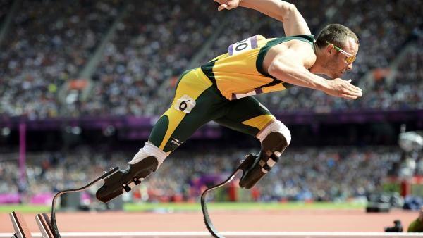 Article: L'athlète Oscar Pistorius soupçonné d'avoir tué sa compagne. Par RFI.