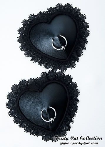 "Romantic leather-look pasties with piercing ring ""Gwendoline"""