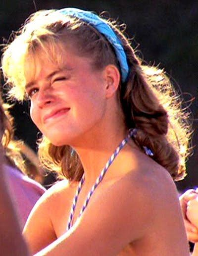 Elizabeth Shue. My first girlfriend, Lily, looked just like her in this movie. I miss her so much.
