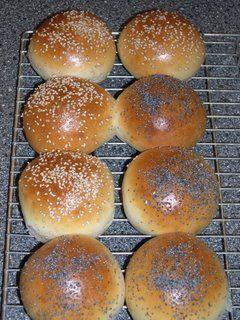 Uit de keuken van Levine: Zachte witte broodjes Ik heb ze vandaag gemaakt en ze zijn perfect! Heerlijk zacht, mooi gerezen, dit is een blijvertje!
