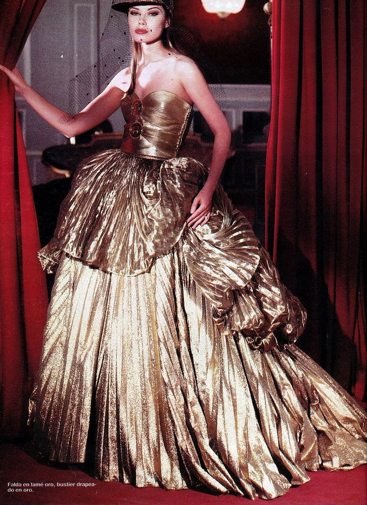 17 best images about versace hc f w 1992 on pinterest for Haute couture atelier