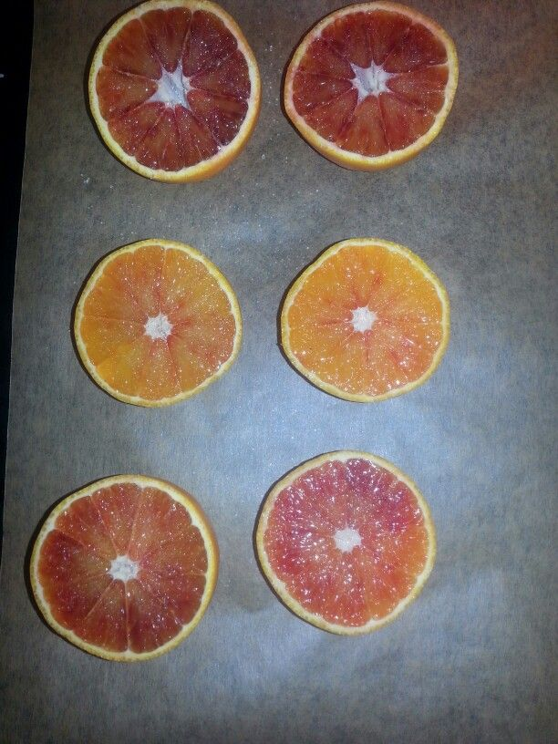 Blood oranges with caramelized sugar on top