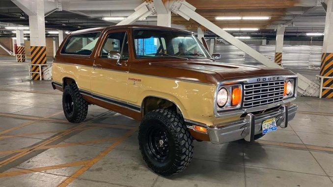 Dodge Ramcharger For Sale 1974 2001 Us Canada Mexico 4x4 Suv Ads In 2020 Dodge Ramcharger Dodge Power Wagon Dodge