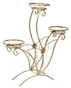 Decoart24.pl  Piękny i elegancki kwietnik metalowy na trzy doniczki z subtelnymi zdobieniami.To idealny element dekoracyjny zarówno każdego wnętrza domu jak i ogrodu, czy balkonu. Kwietnik jest doskonałym pomysłem na prezent. Wykonany w całości z metalu co zapewnia mu długoletnią trwałość. Stojak na kwiaty dostępny jest w kilku wersjach kolorystycznych. #kwietnik #wyposażenie #ogród #dekoracje #art #metal #metalwork #dom #wystroj #metaloplastyka #DecoArt24.pl