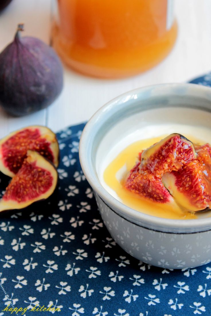 yoghurt panna cotta with fig and honey